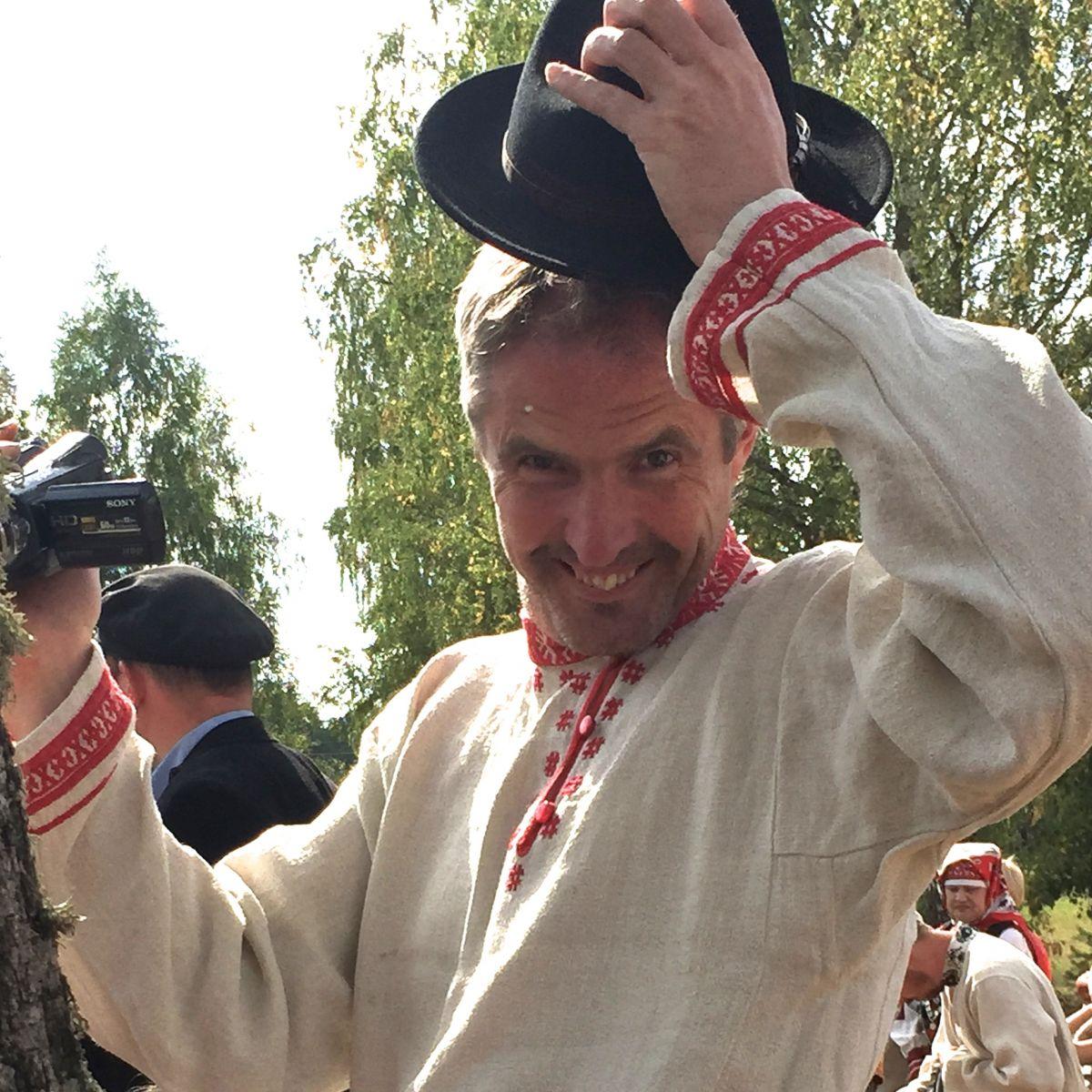 Traditionellt klädd man i Setomaa, Estland