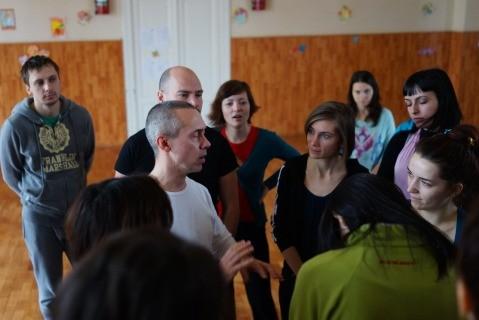 Jag åkte med Kefas Berlin och assisterade honom på en kreativ kropps och röstkurs i Bucharest.