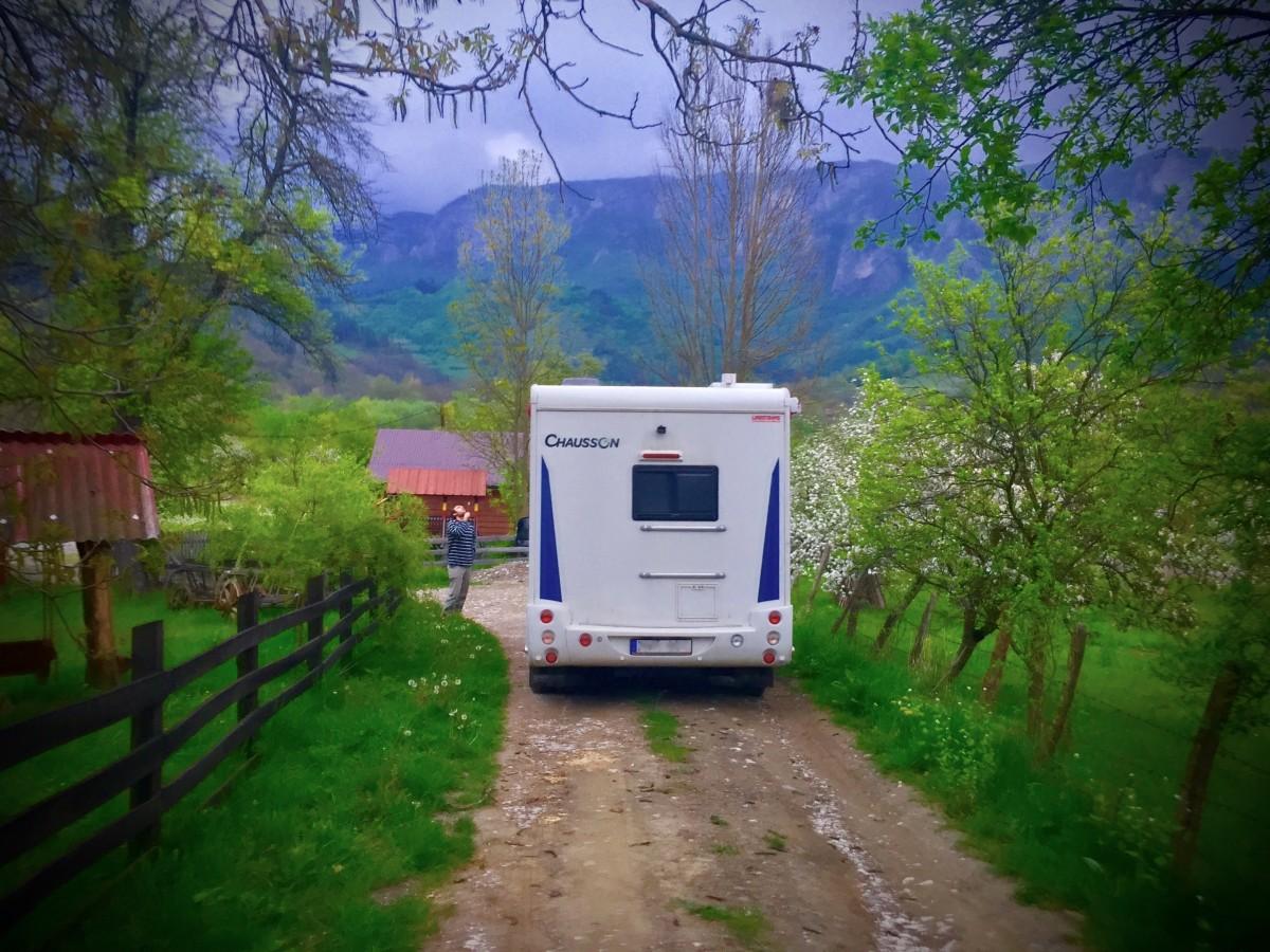 Gästfriheten är enorm i Rumänien. Det var svårt att få betala för att stå vid gästgiveriet med min Chausson Flash 510.