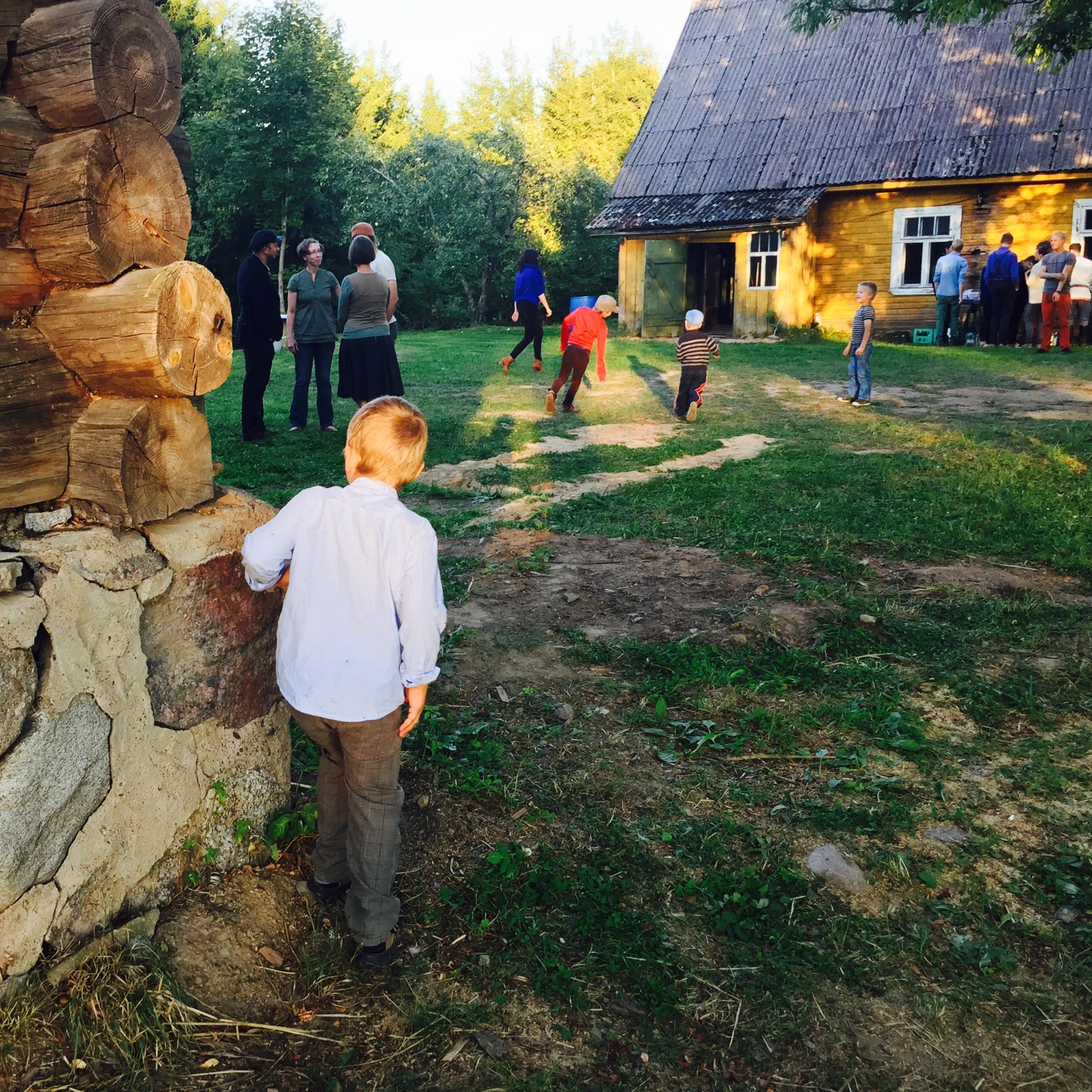 Hela Augusti är det musikfester överallt i sydöstra Estland