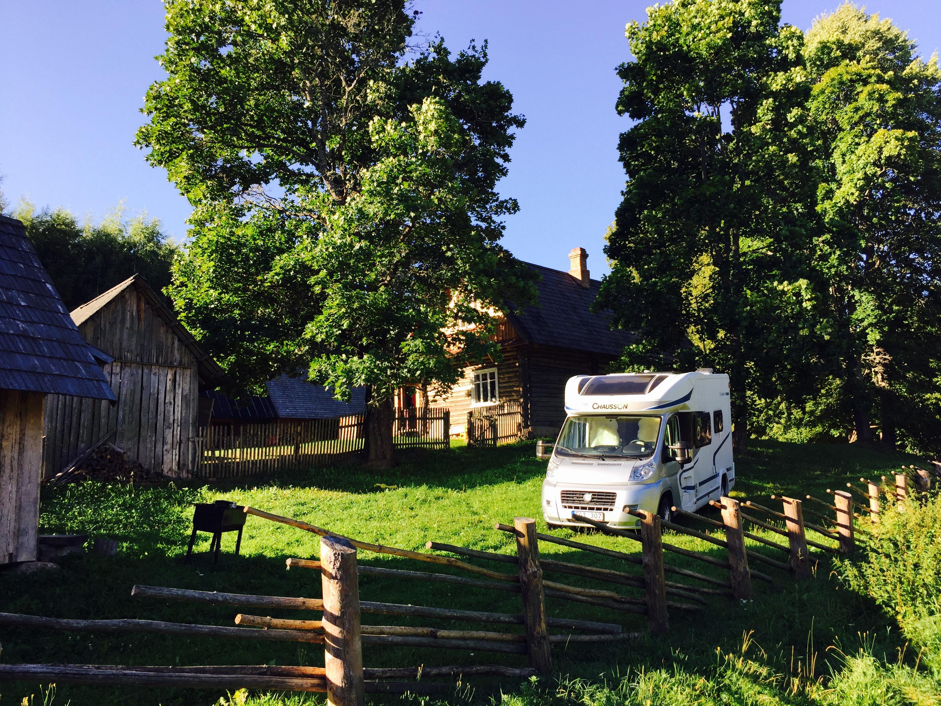 Fricamping i Estland med husbilen