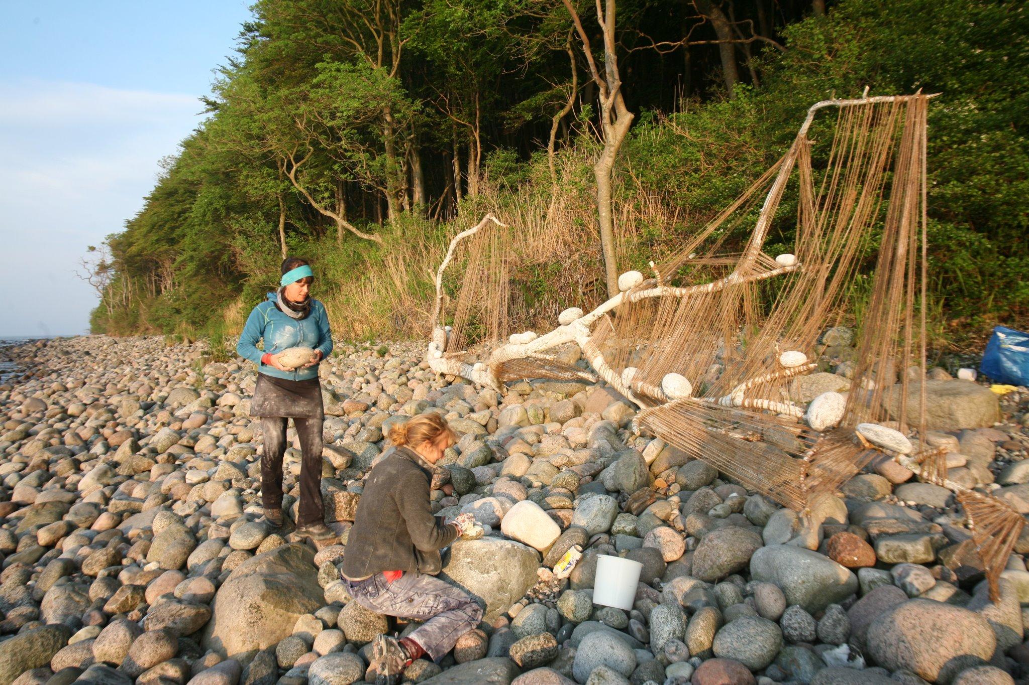 Malin Skinnar och Annika Lykta, landart i Rugen Nationalpark
