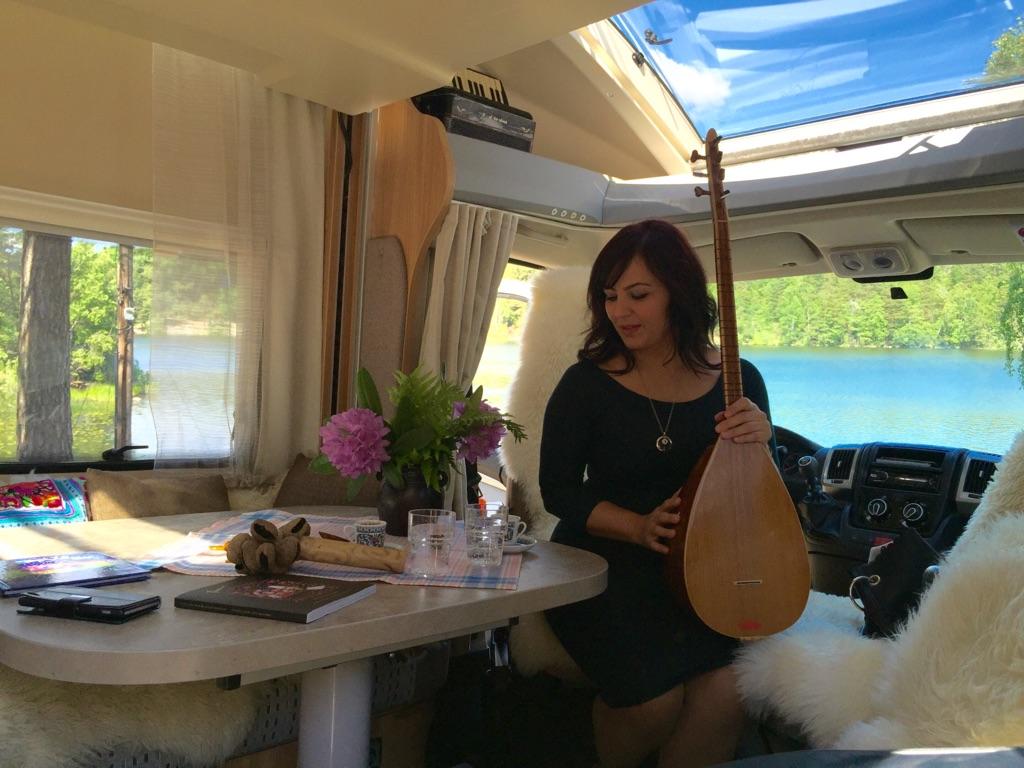 Havva Kutlu, musician from Anatolia, now living in Sweden
