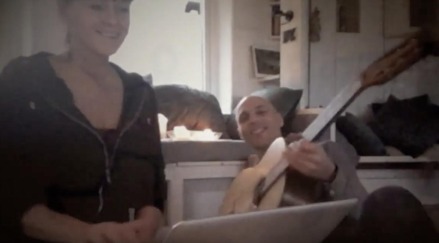 Sång Malin Skinnar, Gitarr August Rex